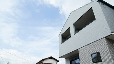 機能的な家事動線とデザイン性を兼ね備えた家。
